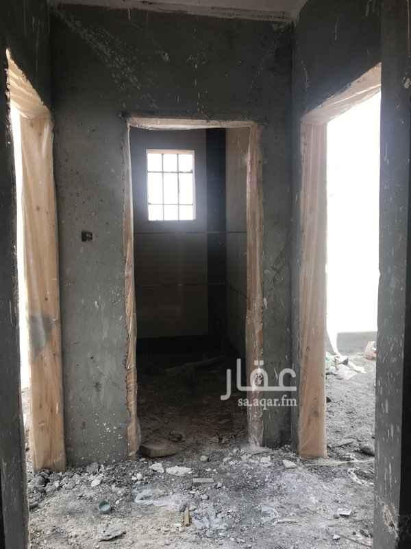 شقة للبيع في شارع دبيل ، حي ظهرة لبن ، الرياض