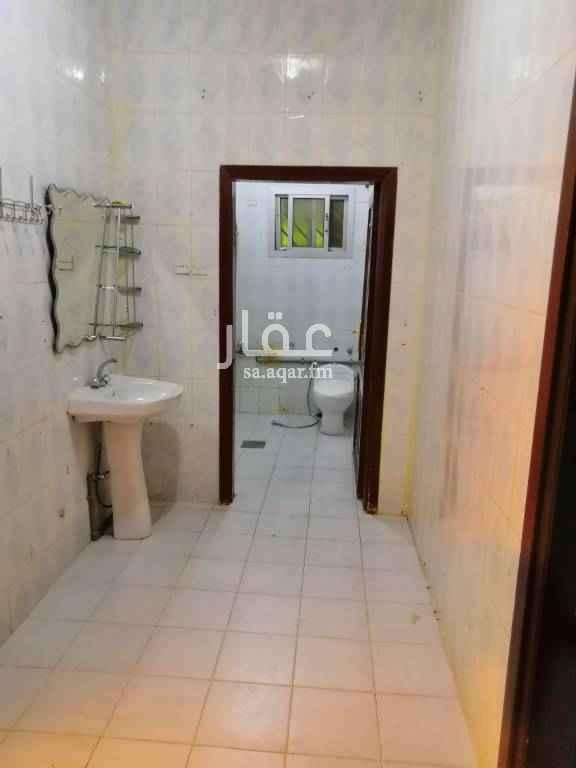 شقة للإيجار في شارع بير ابين ، حي العزيزية ، الرياض
