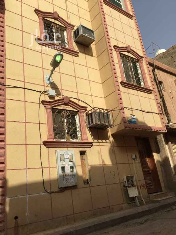 عمارة للبيع في شارع ابن الاعرابي ، حي منفوحة الجديدة ، الرياض ، الرياض
