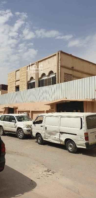 بيت للبيع في شارع عبدالواحد المالكي ، حي النسيم الغربي ، الرياض