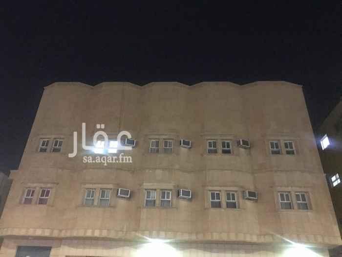 شقة للإيجار في شارع عبادة بن الصامت ، حي الروضة ، الرياض ، الرياض