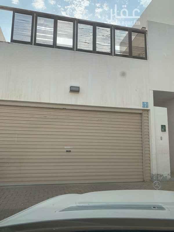 بيت للبيع في طريق الملك خالد ، حي ينبع الصناعية ، ينبع