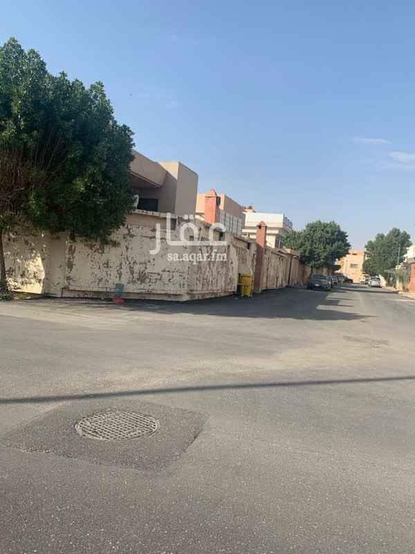 بيت للبيع في شارع نجم الدين الأيوبي ، حي الربوة ، الرياض ، الرياض