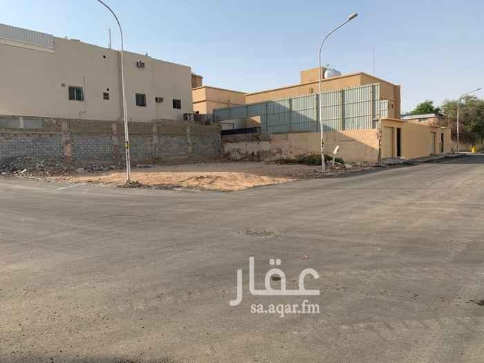 أرض للبيع في شارع مصعب بن عمير ، حي الضباط ، الرياض ، الرياض