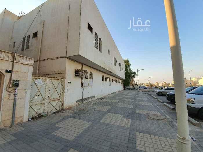 عمارة للبيع في شارع عتود ، حي حطين ، الرياض