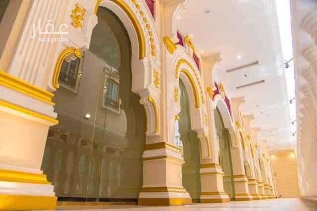 عمارة للبيع في شارع عبد الله بن العباس ، حي الشوقية ، مكة