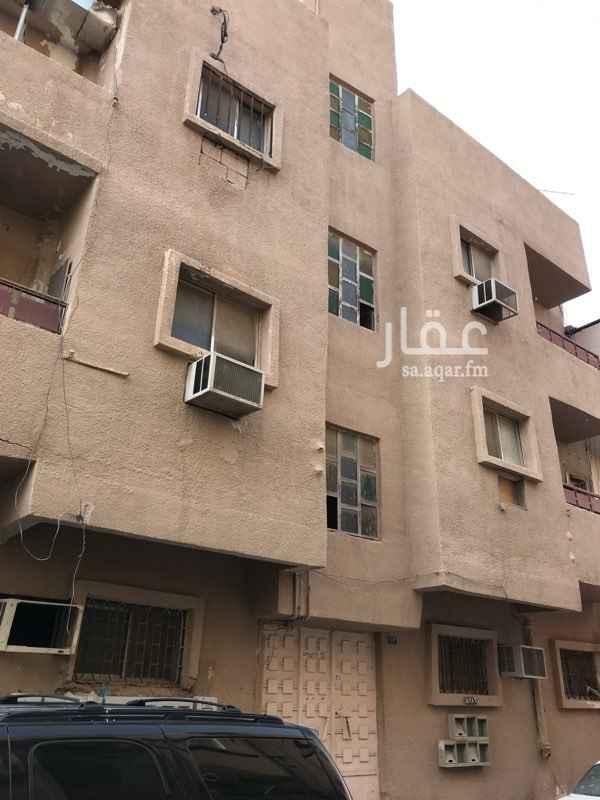 عمارة للإيجار في شارع إبن المهاجر ، حي غبيرة ، الرياض