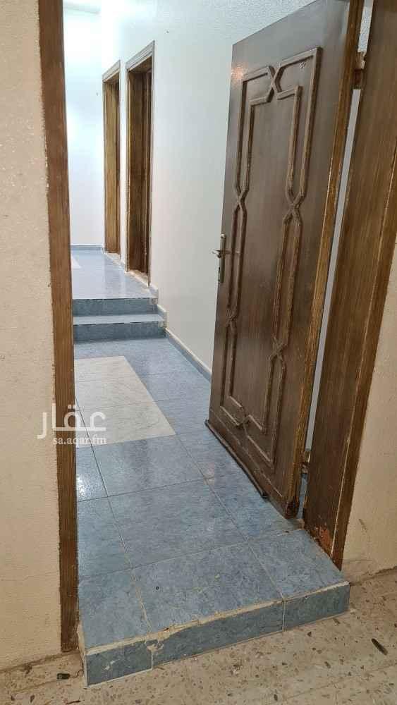 فيلا للإيجار في شارع ابي محمد العطار ، حي أم الحمام الغربي ، الرياض ، الرياض
