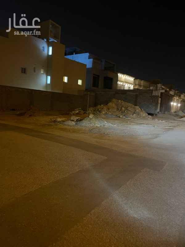 أرض للبيع في شارع عتبة الهذلي ، حي عكاظ ، الرياض