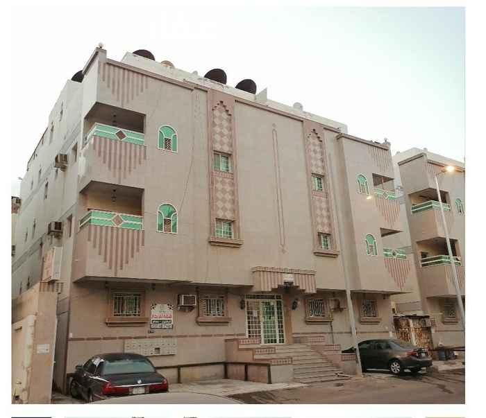 عمارة للبيع في شارع ابو الحسن الهمذاني ، حي البوادي ، جدة ، جدة