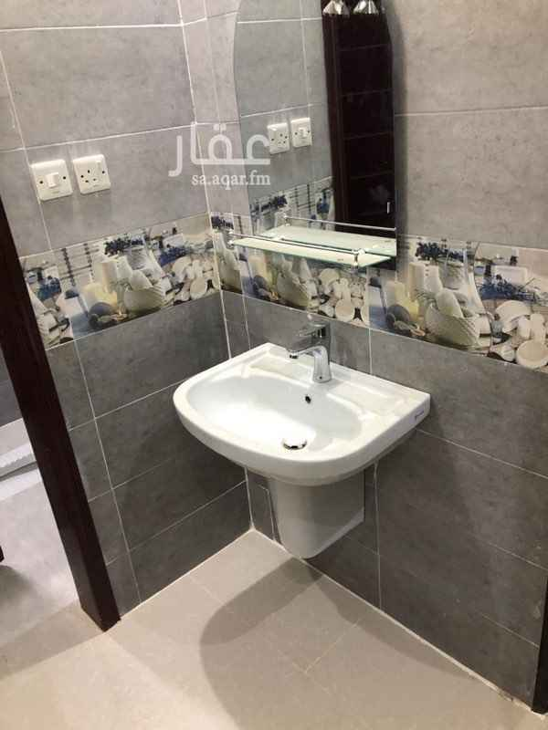 شقة للإيجار في شارع أحمد بن هاشم ، الرياض