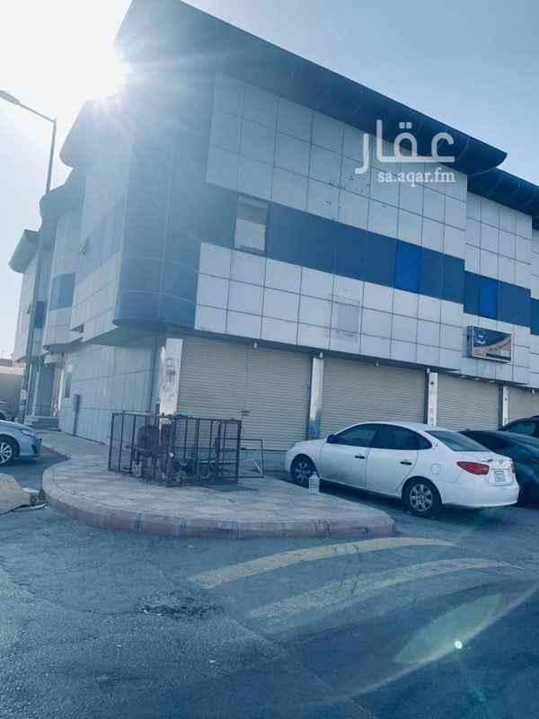 عمارة للإيجار في حي اشبيلية ، الرياض
