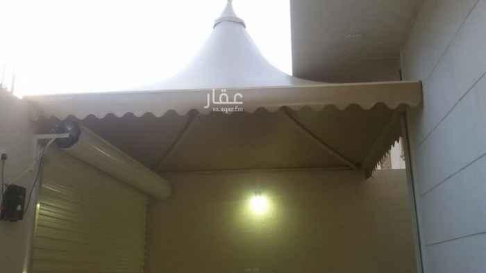 فيلا للبيع في شارع المشاف ، حي ظهرة لبن ، الرياض