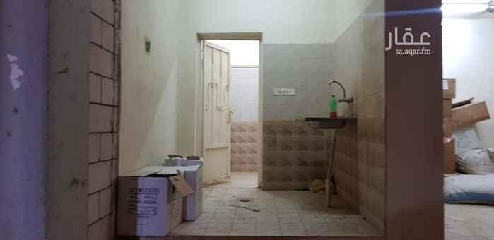 مستودع للإيجار في حي السلي ، الرياض