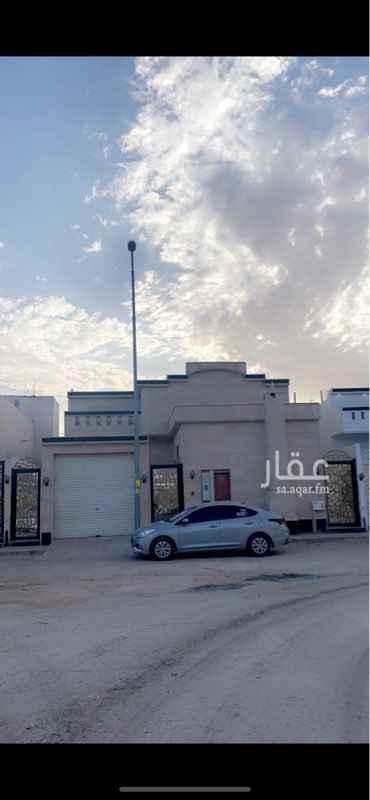 فيلا للبيع في شارع رقم 106 ، حي الجنادرية ، الرياض