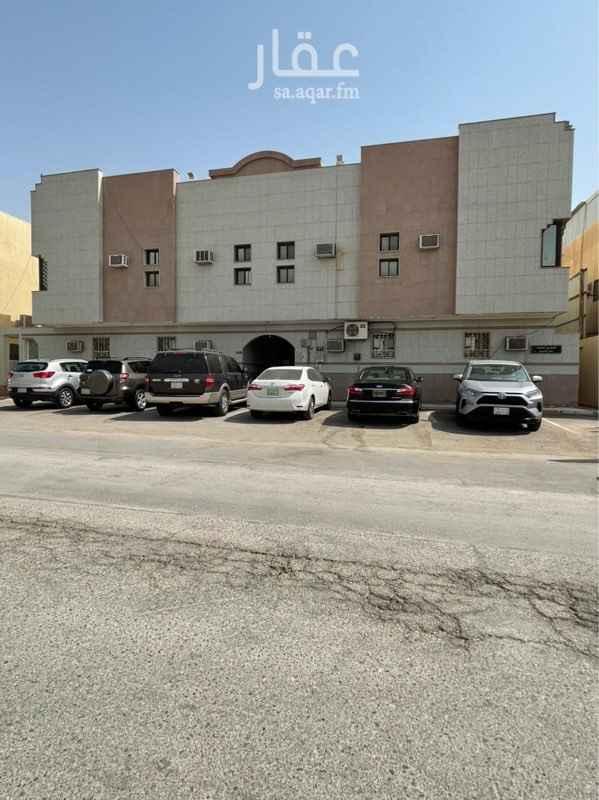 عمارة للبيع في شارع السوالمة ، حي المروج ، الرياض