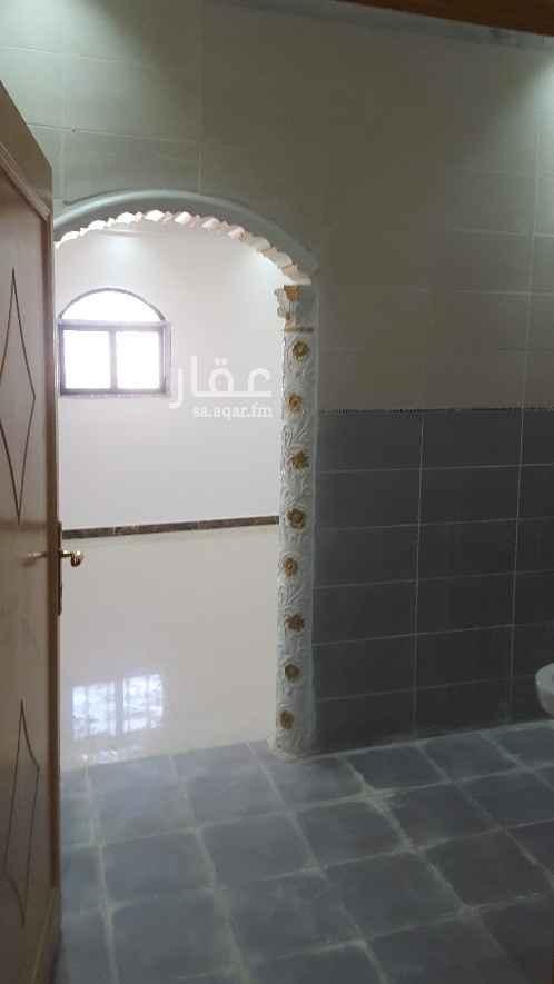 شقة للإيجار في شارع ابي العباس التبريزي ، حي العزيزية ، الرياض ، الرياض