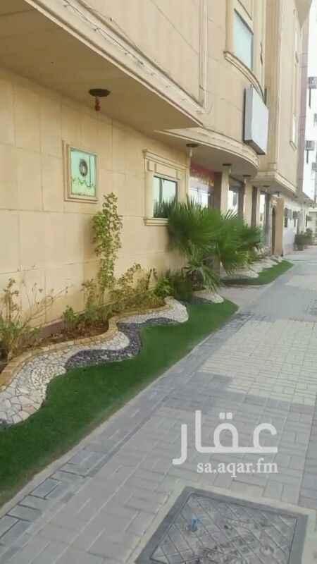 عمارة للبيع في شارع عبيدة بن الحارث ، حي النهضة ، الرياض