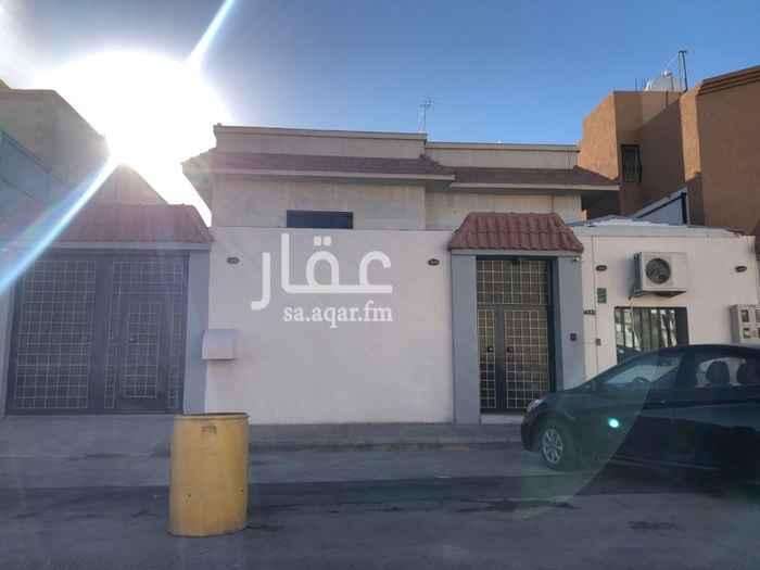 فيلا للبيع في شارع عبدالله بن قتادة, الروضة, الرياض
