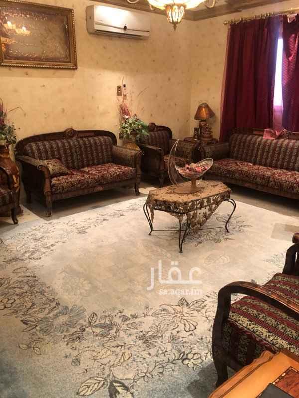 فيلا للبيع في شارع عبادة بن الصامت ، حي الروضة ، الرياض