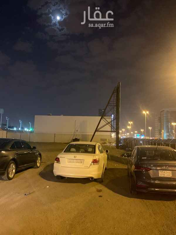 أرض للإيجار في طريق الملك فهد الفرعي ، حي الصحافة ، الرياض ، الرياض