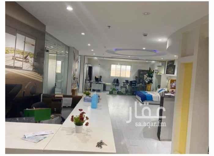 مكتب تجاري للإيجار في شارع البحيرات ، حي الملقا ، الرياض ، الرياض