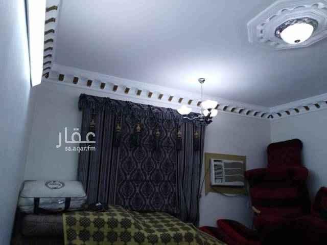 فيلا للبيع في شارع عبيدالله بن سهيل الأنصاري ، حي العوالي ، الرياض