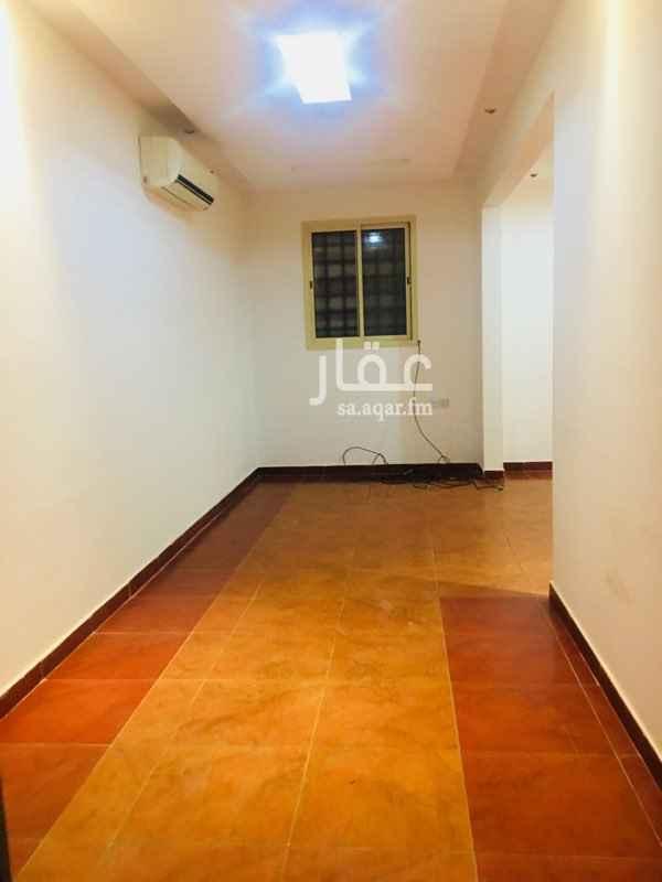 شقة للإيجار في شارع ضرار بن الخطاب ، حي المروج ، الرياض