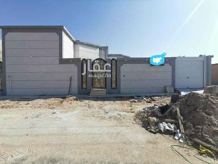 بيت للبيع في شارع اسير الكندي ، حي الوادي ، حفر الباطن