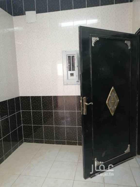 شقة للإيجار في شارع حائل ، حي ظهرة لبن ، الرياض