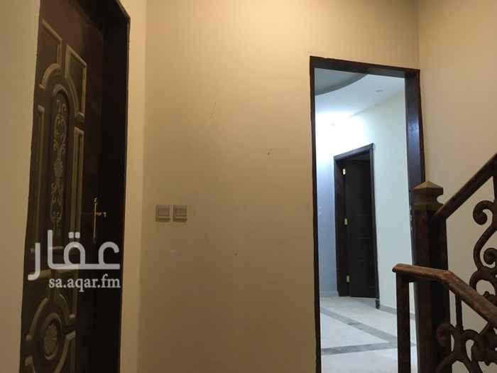 شقة للإيجار في شارع الصحراء الفرعي ، حي عكاظ ، الرياض