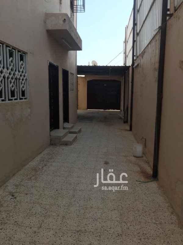 دور للإيجار في شارع الاخلاص ، حي طويق ، الرياض