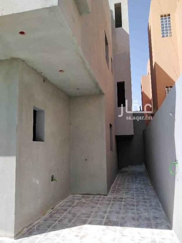 فيلا للبيع في شارع الدلم ، حي هجرة لبن ، الرياض