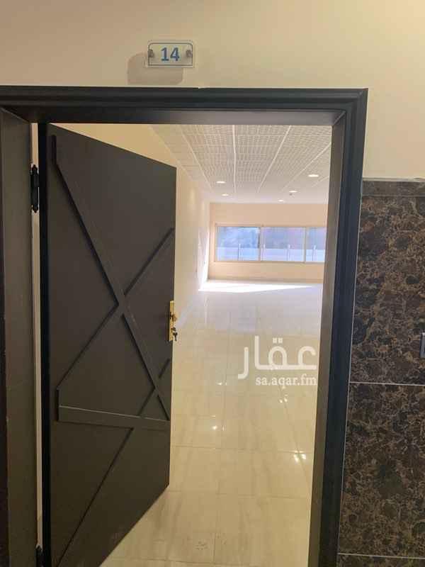 مكتب تجاري للإيجار في شارع الأمير فهد بن إبراهيم آل سعود ، الرياض