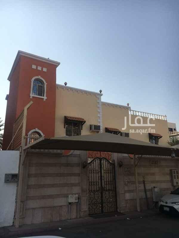 فيلا للبيع في شارع احمد عبدالقادر ، حي الجامعة ، جدة