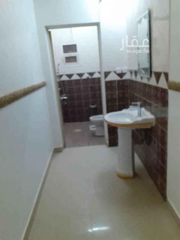 دور للإيجار في شارع على بن عبدالكريم ، حي اشبيلية ، الرياض