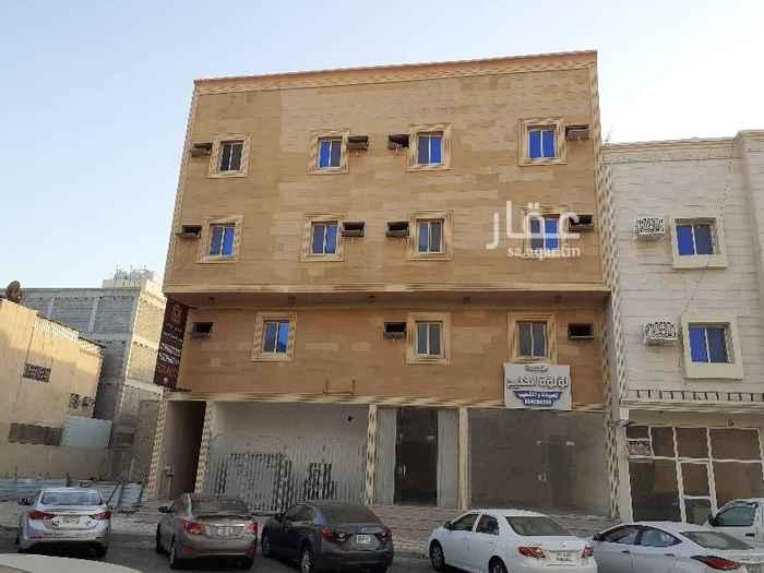 محل للإيجار في شارع ضبا ، حي الثقبة ، الخبر