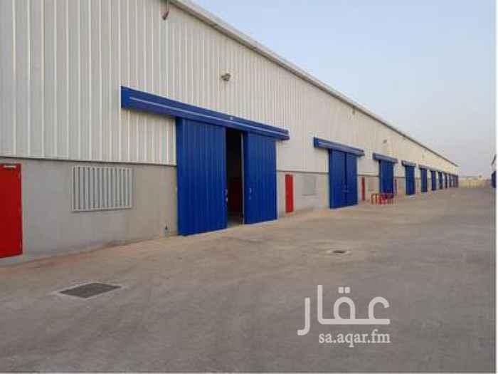 مستودع للإيجار في شارع حسان بن النعمان ، حي الدفاع ، الرياض