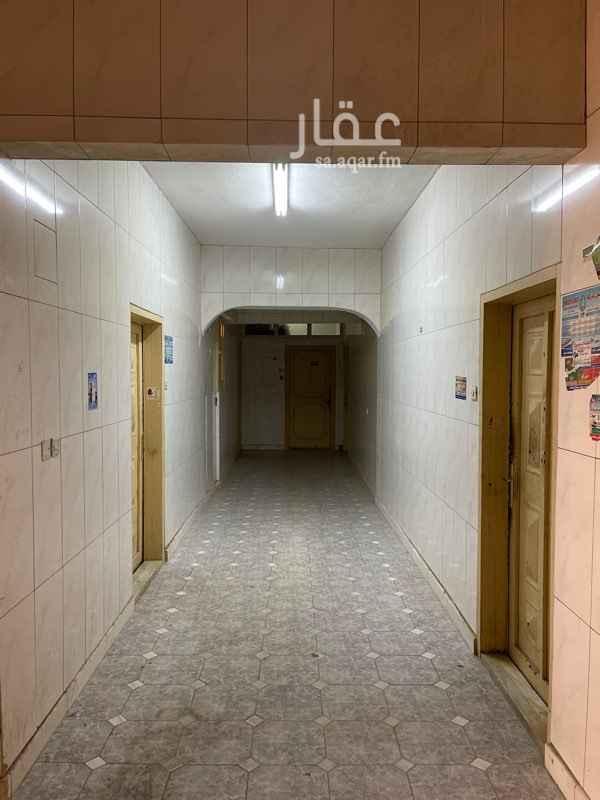عمارة للإيجار في شارع الامير مقرن بن عبدالعزيز ، حي النزهة ، الرياض ، الرياض