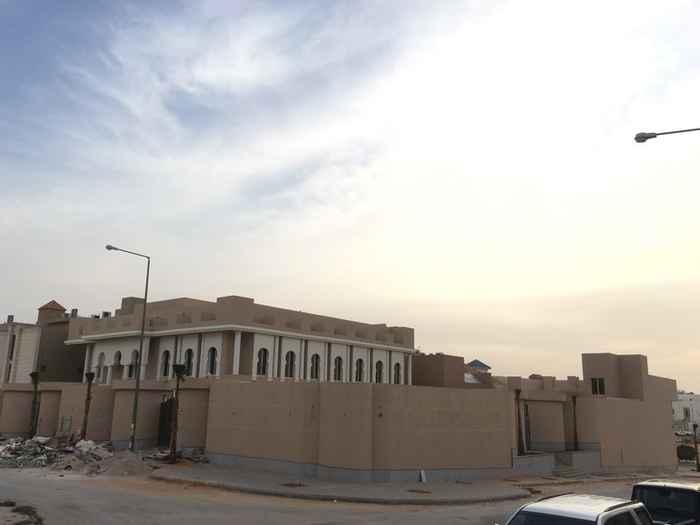 فيلا للبيع في طريق الأمير تركي بن عبدالعزيز الأول ، الرياض