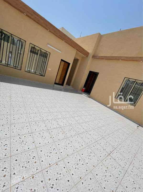 دور للبيع في شارع ابن الوارث ، حي العزيزية ، الرياض ، الرياض