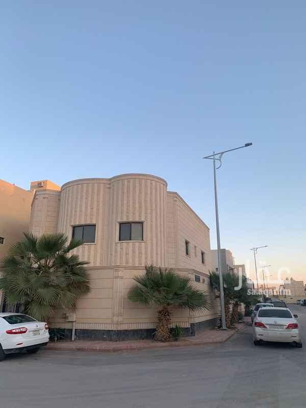 فيلا للبيع في شارع رقم 360 ، حي النرجس ، الرياض