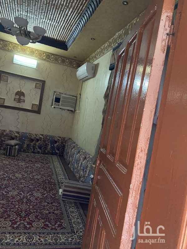 بيت للبيع في شارع خلف بن هشام ، حي منفوحة الجديدة ، الرياض ، الرياض