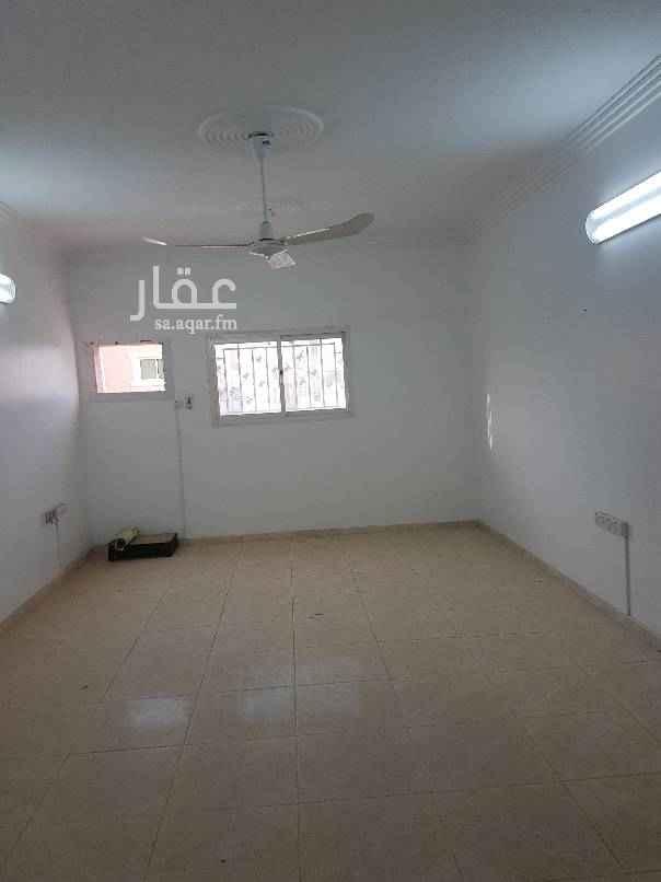 مكتب تجاري للإيجار في شارع ابن عرام ، حي الازدهار ، الرياض