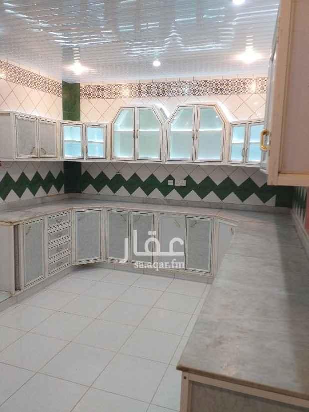 دور للإيجار في شارع ابي سعيد الخدري ، حي الملك فيصل ، الرياض