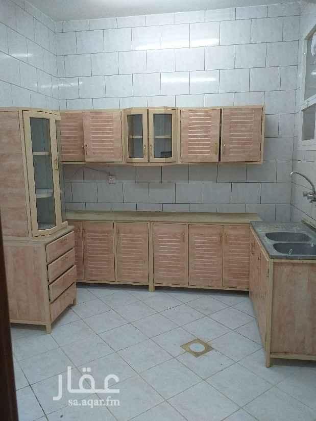 شقة للإيجار في شارع المدارس ، حي الحمراء ، الرياض ، الرياض