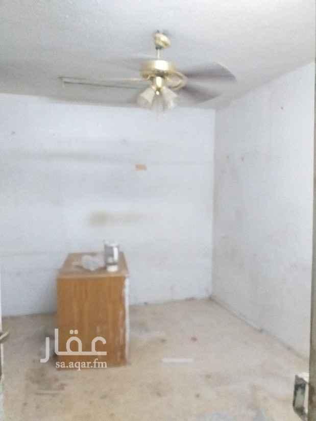 غرفة للإيجار في شارع ابي سعيد الخدري ، حي الملك فيصل ، الرياض ، الرياض