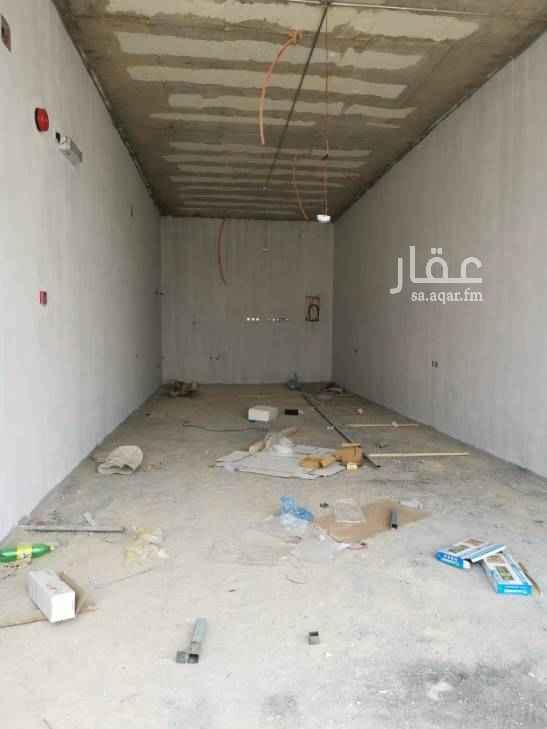 محل للإيجار في طريق الملك عبدالعزيز ، حي العارض ، الرياض
