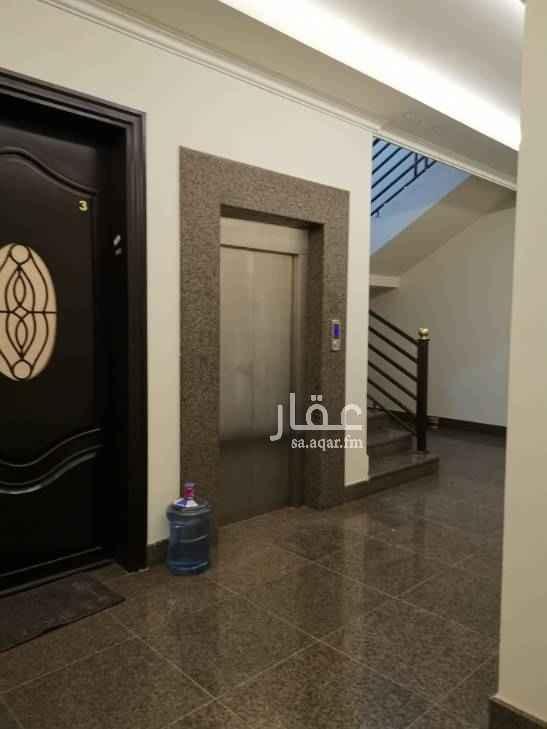 عمارة للبيع في شارع ابي بكر الصديق ، حي النفل ، الرياض