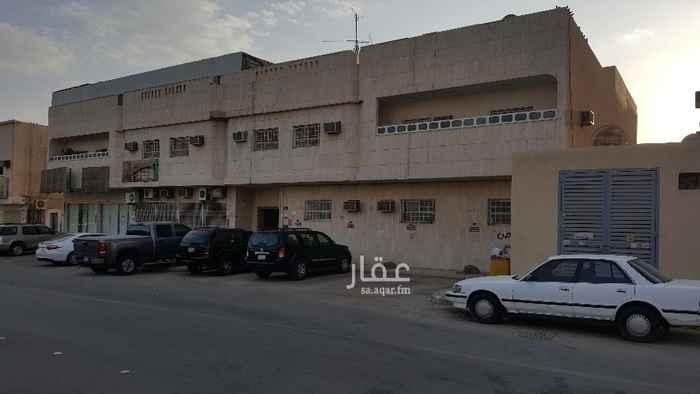 عمارة للبيع في شارع اسيد بن الخضير ، حي المصيف ، الرياض